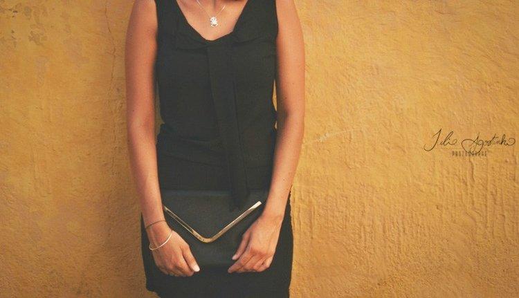 Robe noire pour femme
