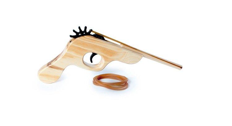 Pistolet à élastique en bois