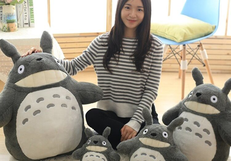 Peluche Totoro du film d'animation pour enfants Mon voisin Totoro